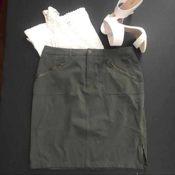 Nine West Dresses & Skirts - Olive Nine West pencil skirt